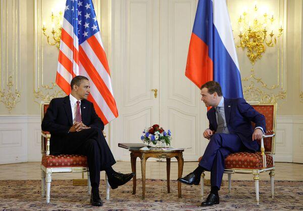 Медведев призвал США активнее развивать сотрудничество в экономике
