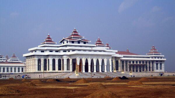 После предстоящих 7 ноября выборов в парламент у Бирмы есть шанс зажить новой жизнью – как внутренней, так и международно-дипломатической.