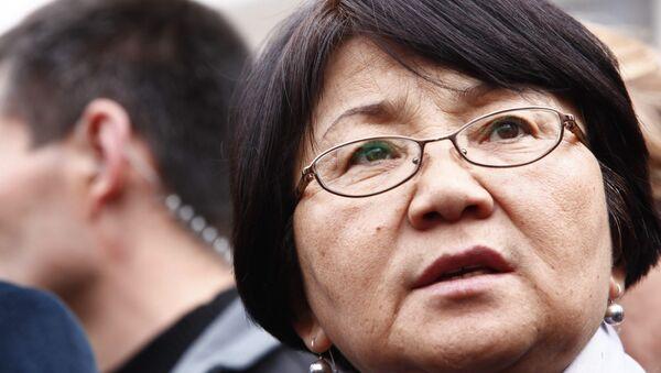 Роза Отунбаева. Архивное фото