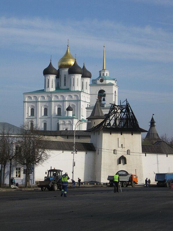 Кремль пожар Псков