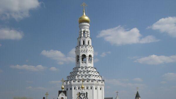 Храм Петра и Павла в Прохоровке, на площади перед которым патриарх совершил литию по погибшим в годы Великой Отечественной войны