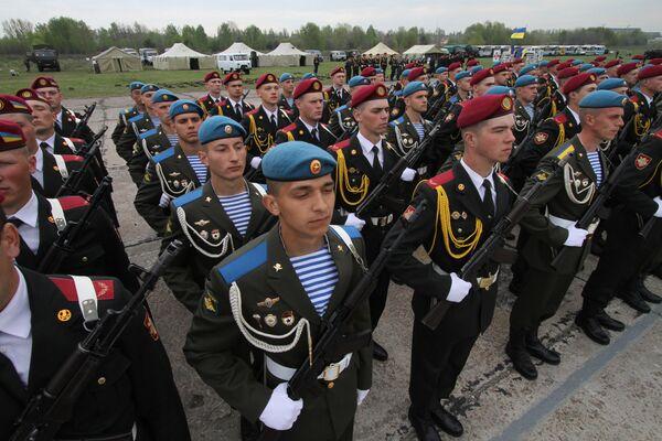 Совместная тренировка парадных расчетов России, Украины и Беларуси в Киеве