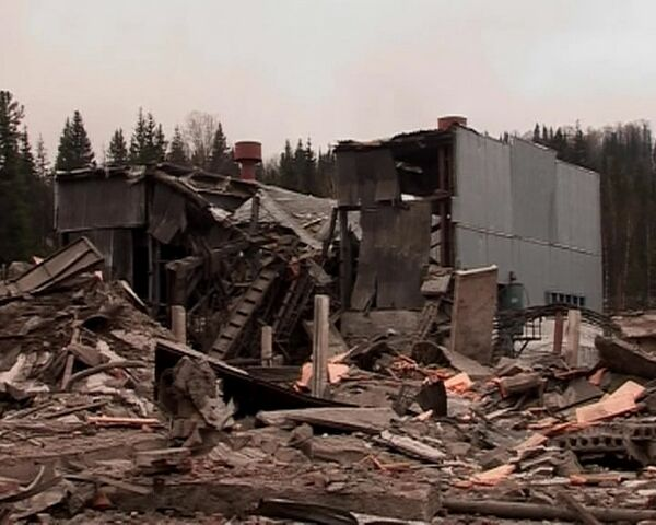 Последствия взрывов на шахте Распадская в Кемеровской области