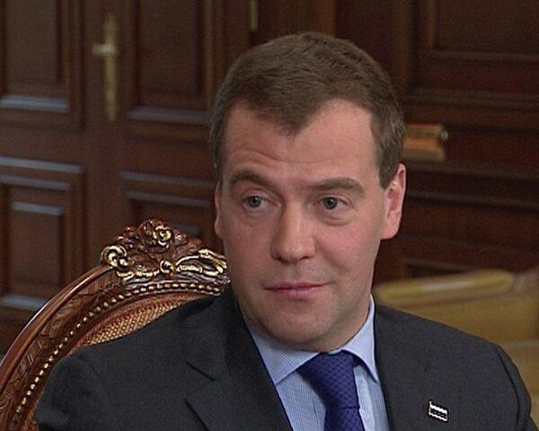 Медведев рассказал журналистам о своих украинских корнях