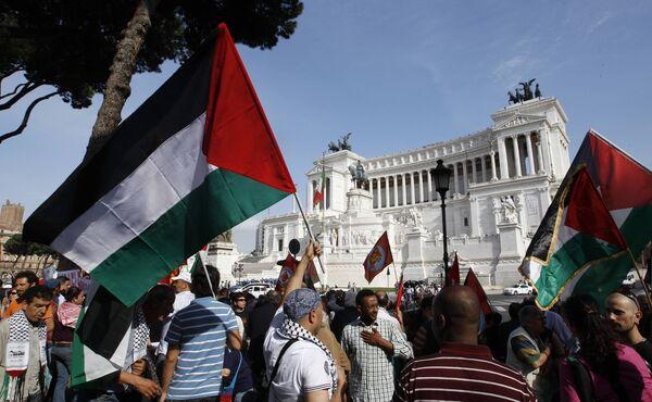 Волна манифестаций в Риме по случаю захватнических действия Израиля на гуманитарную флотилию