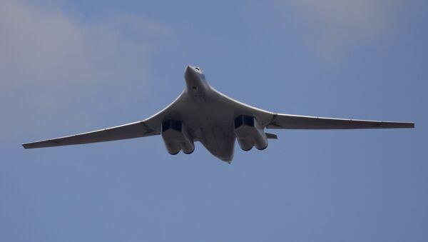Тяжелый бомбардировщик-ракетоносец Ту-160