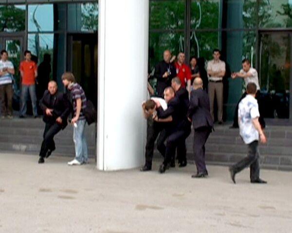 Телохранители со всей России открыли стрельбу в центре Ростова-на-Дону