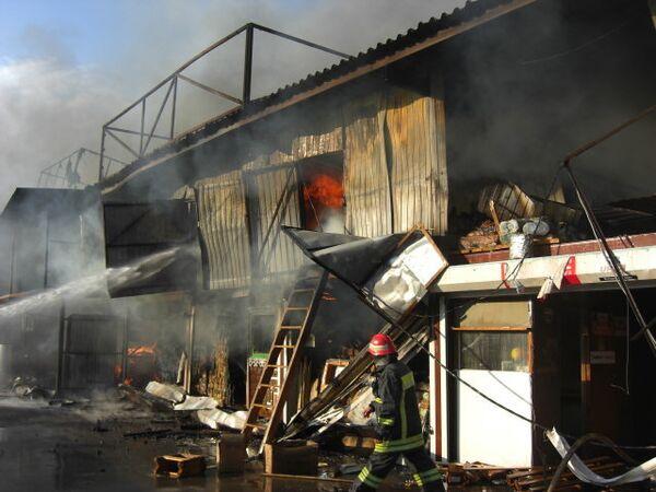 Пожар на территории рынка Кунцево-2