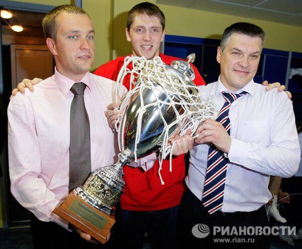 Андрей Ватутин, Виктор Хряпа, Евгений Пашутин (слева направо)