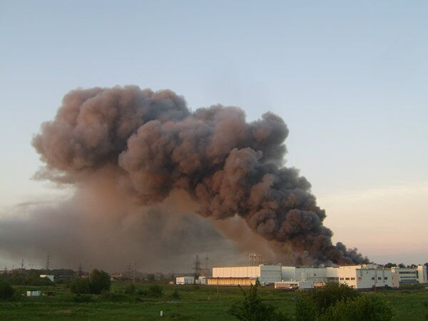 В Калининграде горит мясокомбинат Конкордия