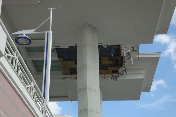 В ТЦ Вегас на МКАД обрушился потолок козырька