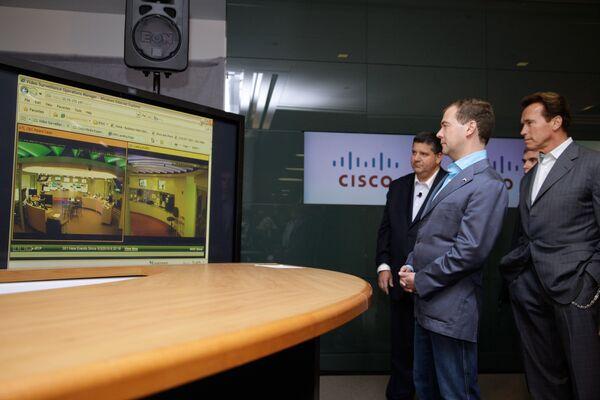Президент РФ Дмитрий Медведев посетил офис компании CISCO