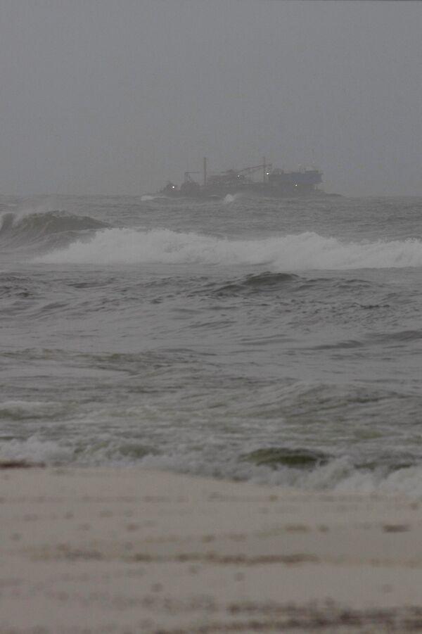 Ураган Алекс над Мексиканским заливом усилился до второй категории