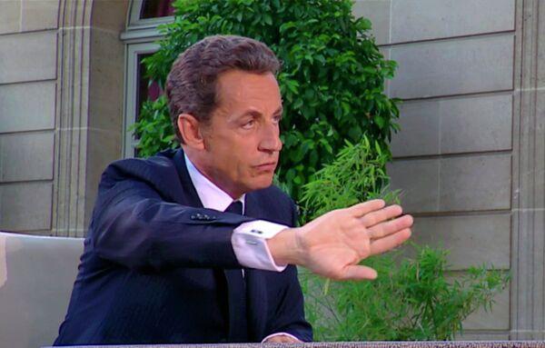 Президент Франции Николя Саркози во время интервью телеканалу France2