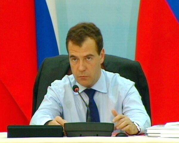 Правительство пообещало Медведеву накормить россиян мясом по нормативам