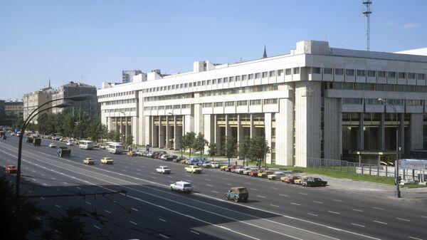 Здание АПН на Зубовском бульваре