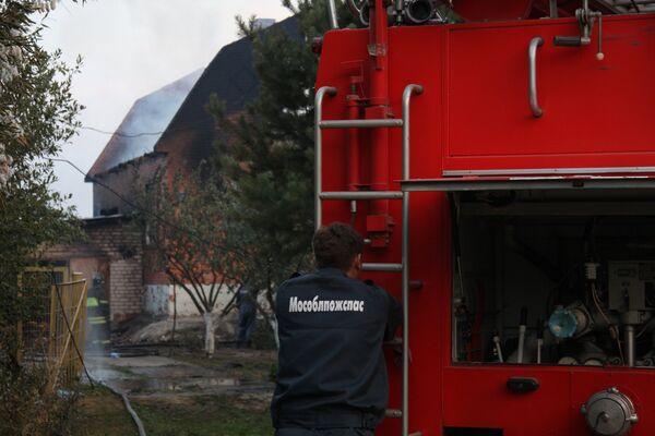 Несколько домов сгорели в Подмосковной деревне Городец