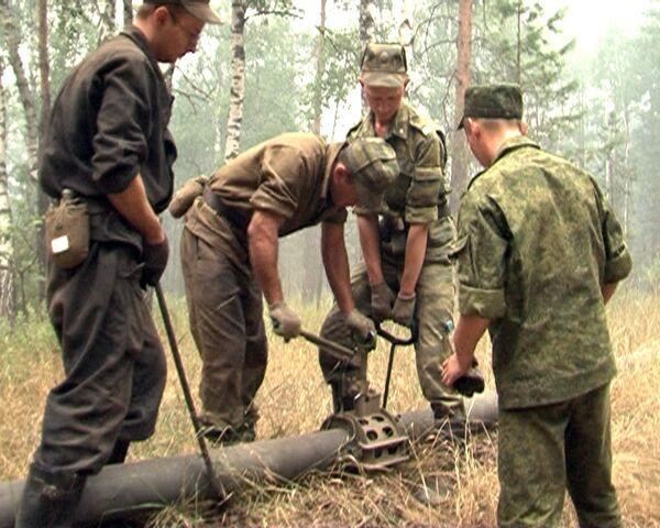 Военные проложили к местам пожаров девять километров труб