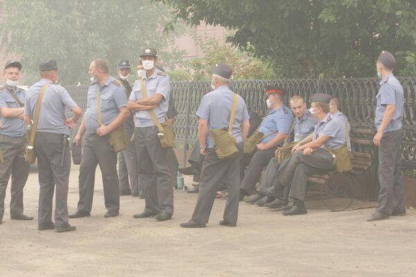 Эвакуация жителей из зоны природных пожаров. Архив
