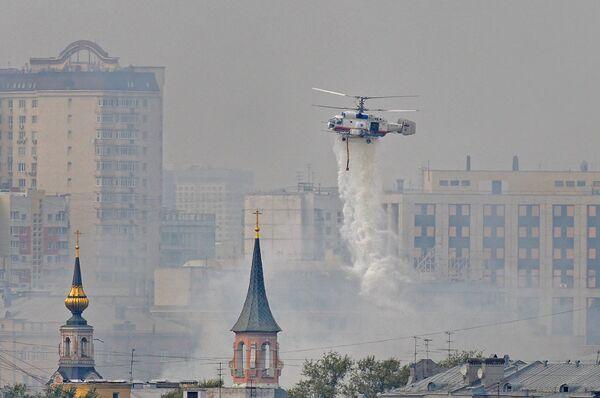 Пожар в храме святых апостолов Петра и Павла в центре Москвы