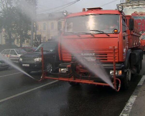 Для борьбы со смогом в Москве распыляют водяное облако