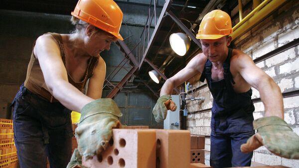 На кирпичном заводе Лемакс в Таганроге