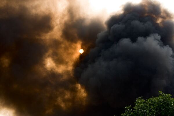 Дым от пожара. Архив