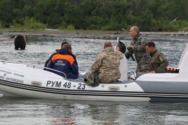 Премьер-министр РФ Владимир Путин посетил Южно-Камчатский заказник