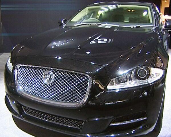 Бронированный Jaguar и Bentley ручной сборки представили в Москве