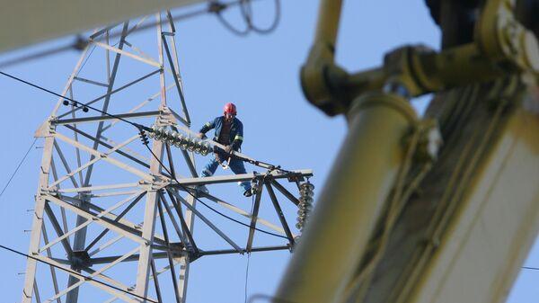 Проведение высотных монтажных работ на ЛЭП ОАО Янтарьэнерго