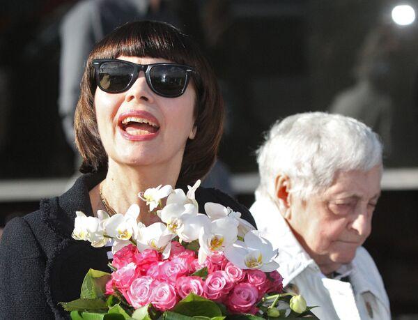 Мирей Матье прибыла в Москву для участия в военно-музыкальном фестивале Спасская башня