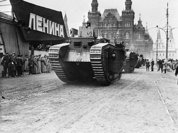 Танк на военном параде
