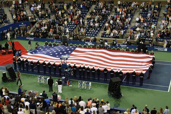 Зрители и организаторы турнира US Open почтили память жертв 11 сентября минутой молчания