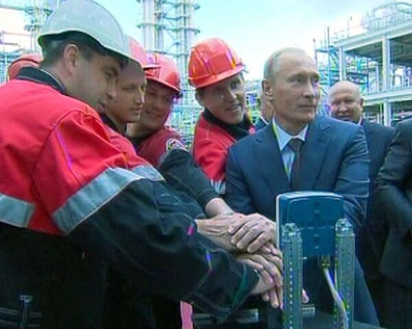 Путин нажатием на кнопку Пуск улучшил бензин до стандарта евро-5