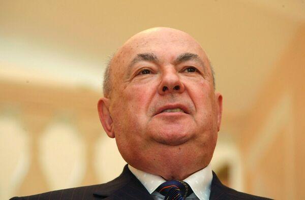 Ресин поручил доработать законопроект о парковке в Москве
