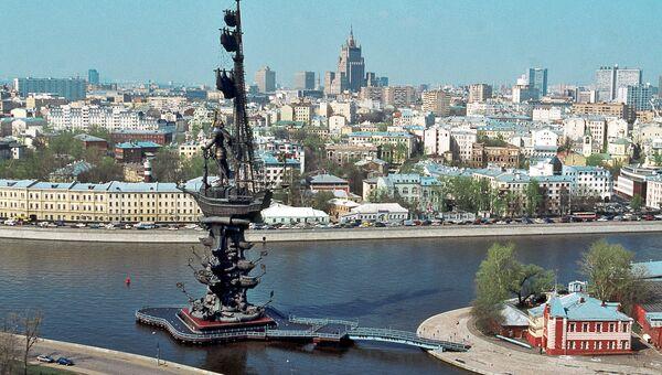Памятник Петру I работы З.Церетели