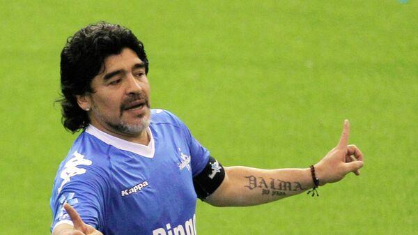Диего Марадона в благотворительном матче в честь Фернандо Касереса
