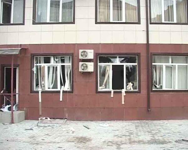 Террористы прорвались в парламент Чечни и подорвали себя