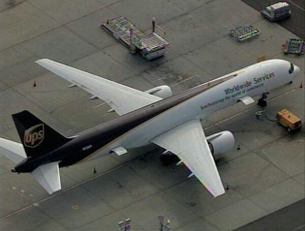 Подозрительный предмет был обнаружен на борту самолета компании UPS, летевшего из Йемена в Чикаго