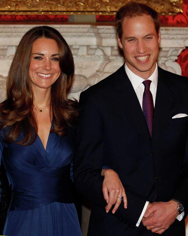 Британский принц Уильям и Кейт Миддлтон поженятся в 2011 году /