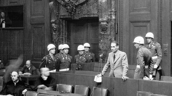Гесс на скамье подсудимых. Архив