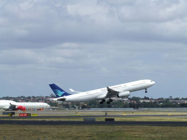 Самолет авиакомпании Garuda Indonesia