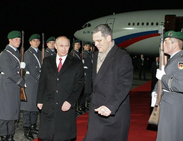 Премьер-министр РФ Владимир Путин прибыл в Берлин