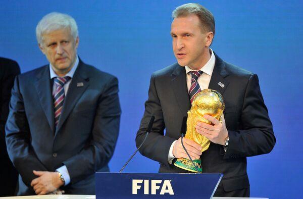 Сергей Фурсенко и Игорь Шувалов (слева направо)