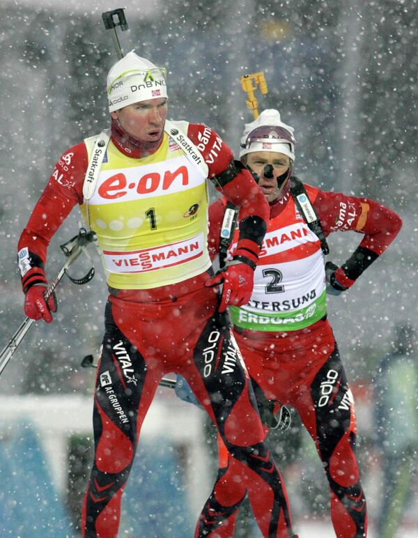 Эмиль-Хагле Свенсен (на переднем плане) и Оле-Эйнар Бьерндален