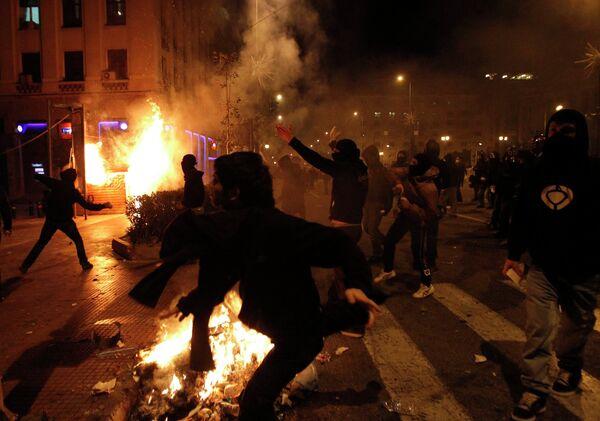 Столкновения молодежи и полиции в Афинах