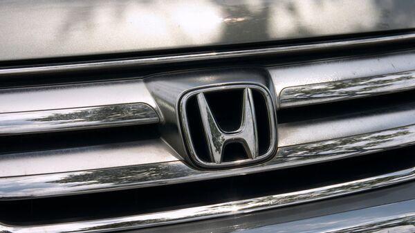 Логотип компании Honda, архивное фото