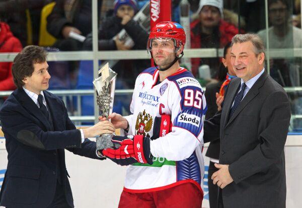 Александр Файфман, Алексей Морозов, Владислав Третьяк (слева направо). Архив