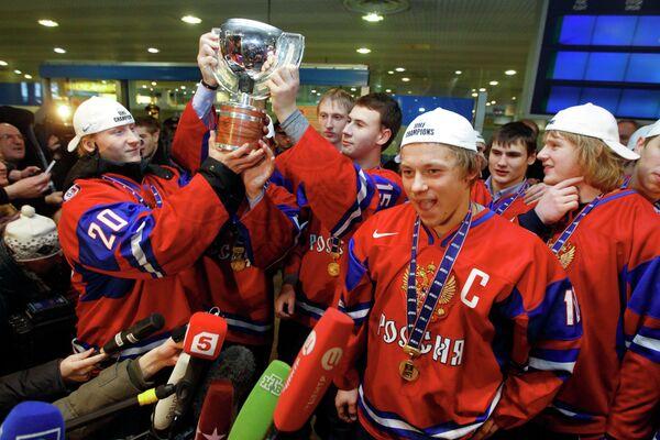 Молодежная сборная России по хоккею. Архив