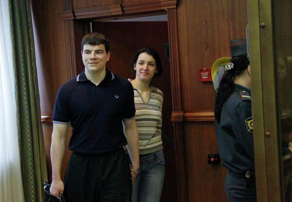 Предварительные слушания по делу в отношении Никиты Тихонова и Евгении Хасис